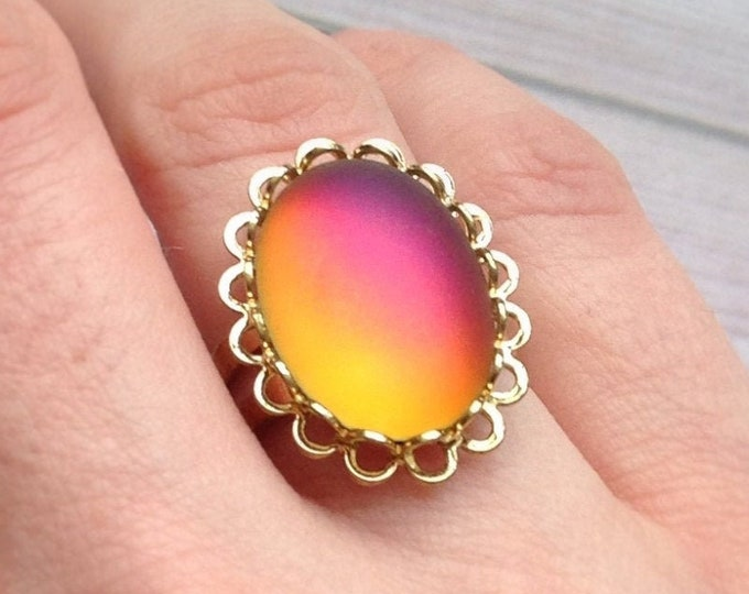 Color shifting Pink and Orange stone ring, Adjustable size, fits sizes 6 7 8