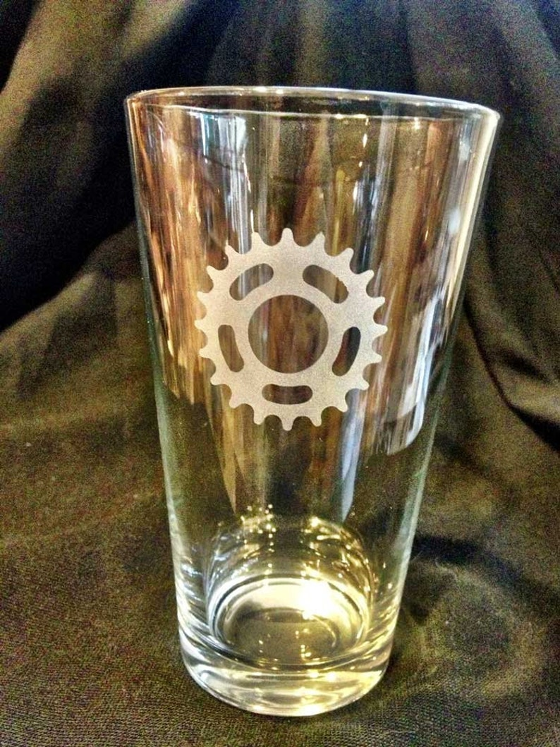 Single Speed Bicycle Cog Pint Glass image 0