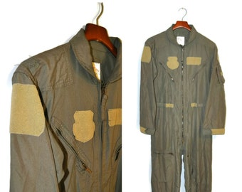 4d57c714537b Vintage 1970 s Official U.S. Military Coveralls Flyers Army Green Jumpsuit  Military Men s Size 40 Regular Many Pockets Romper Onesie