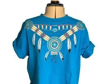 Vintage 1990's Cropped Southwestern T-Shirt with Graphic of Feathers and Beaded Jewelry Blue Teal Turquoise Jewelry Size Large Short Sleeve