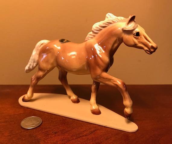 Hagen Renaker Horse Mustang Colt Light Bay Ceramic Figurine