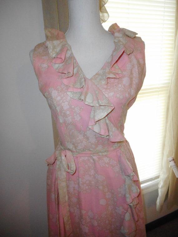 Vintage 1960's Dress Romantic Floral Fabric Ruffl… - image 4