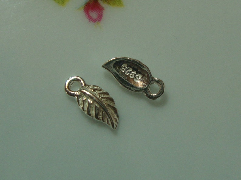 AA 8x4mm Anti Tarnish 925 Sterling Silver Small Leaf charm pendant tag Minimalist Findings Collection 6 pcs
