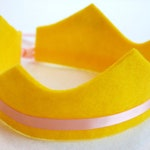eco friendly lexa felt crown with adjustable ribbon tie. great party favors or photo prop.  party, play, pretend.