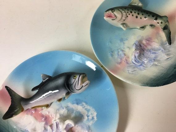 & Vintage Napco Japan Pair of 3D decorative ceramic fish plates