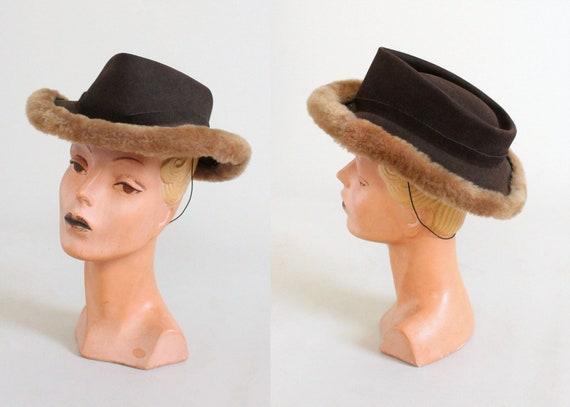 Vintage 1940s Felt Fedora with Faux Fur Trim