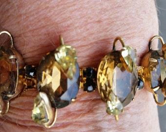 Vintage KRAMER of N.Y. signed gold tone Rhinestones Bracelet
