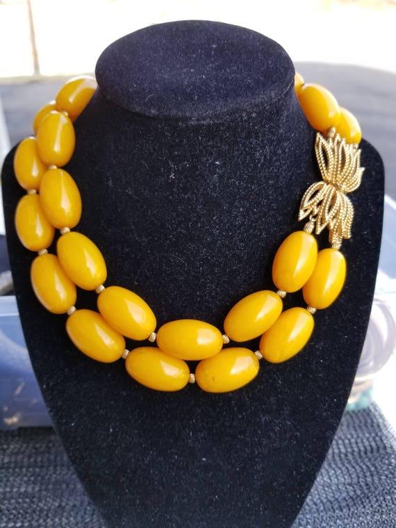 butterscotch bakelite necklace tested bakelite