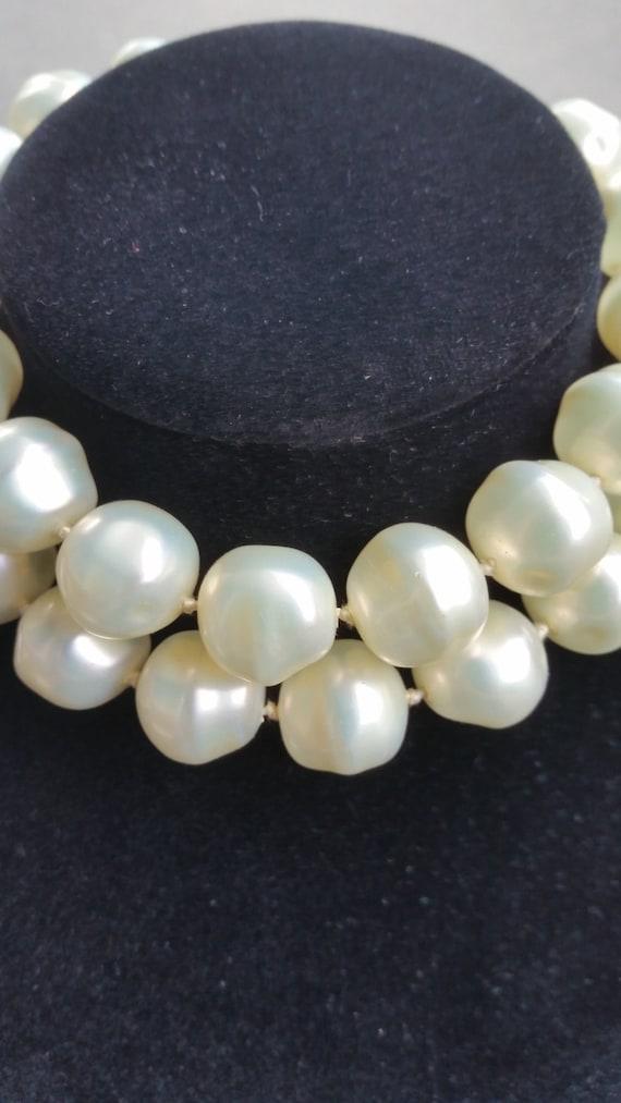 Vintage 1960's pearl faux signed MARVELLA