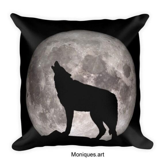 Premium Howling Wolf Pillow