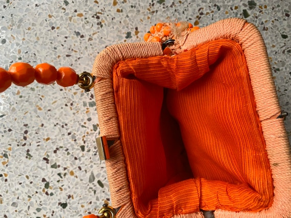 1960's Beaded Raffia Handbag / Top Plastic Handle… - image 5