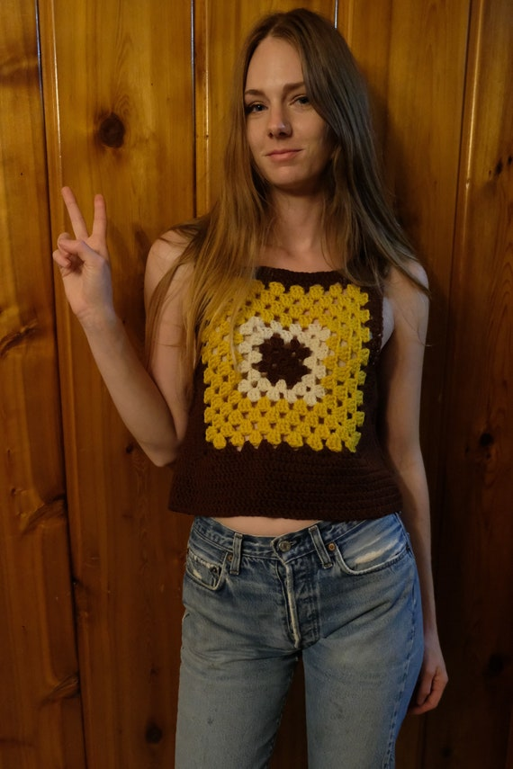 Groovy 70's Knit Sweater Vest / Iconic Granny Squa