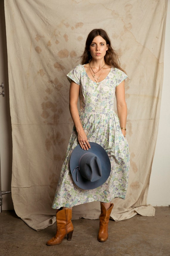 Open Back Vintage Dress / 1980's Garden Party Dres