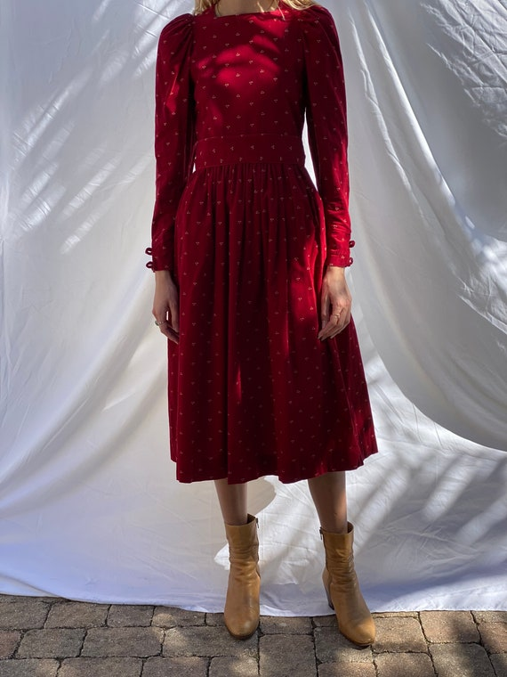 1990s Red Floral Corduroy Dress / Laura Ashley Dr… - image 10