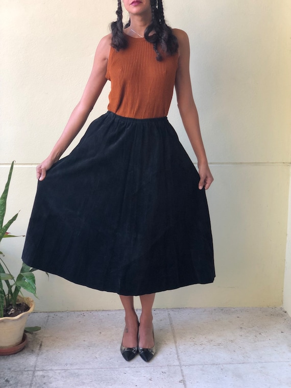 Leather Full Skirt / Vintage Black Suede Leather S