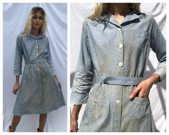 1940's Chore Dress / Printed Cotton Dress with poc