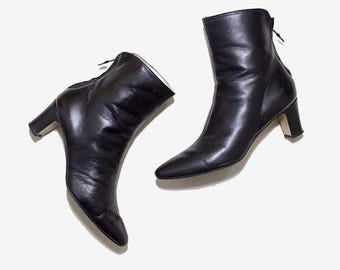 Vintage Ankle Boots 8.5 / Black Leather Boots / Zip Up Boots / Ankle Boots Women