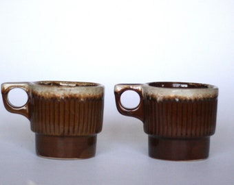 1970s Stoneware Ill Monmouth /'Western/' Pottery /'Plainsman/' Pattern USA Made in Monmouth Matte Surface Salt and Pepper