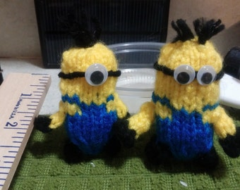Knitted Mini Minion