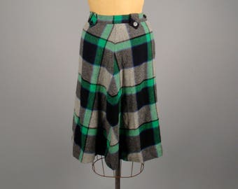 1950s green and grey perfect plaid skirt • vintage 50s skirt • collegiate checkered skirt