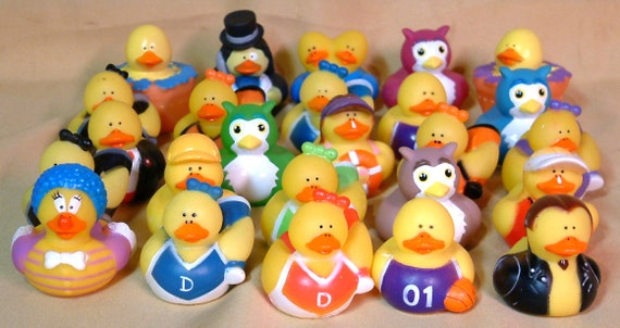 Happy Birthday Rubber Bath Time Duck Great Gift Present Idea for Birthdays Number 1 Selling Fun Rubber Ducky Women Woman Ladies Lady Men Mens Man Gents Him Her One Supplied