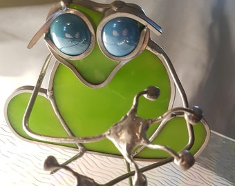 Frog remote or cell phone holder Stained Glass and Wire
