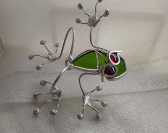 Stained Glass and Wire Red Eyed Clear Green Tree Frog Garden Art Sculpture