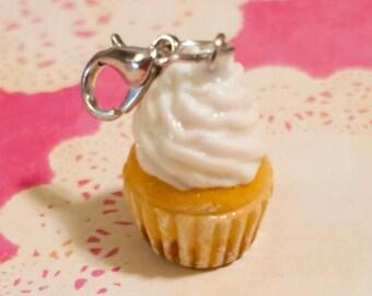 Vanilla Cupcake Zipper Charm
