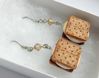 Toasted Marshmallow S'mores Miniature Food Earrings