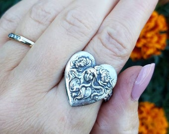 Victorian lady ring