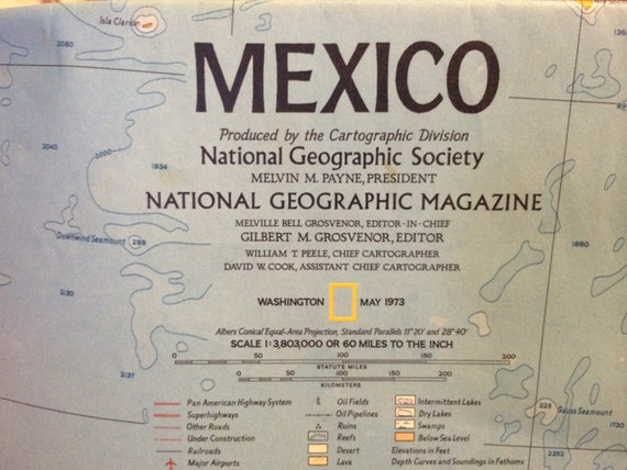 Mexico and Central America circa 1973 National Geographic issued. Large map  Would be great for framing. Class room Man Cave or office.