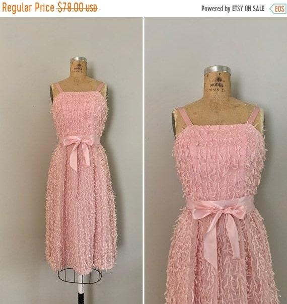 Clearance 1970s Confetti Ribbon Dress / 70s Pink R
