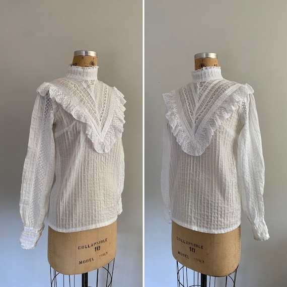 Vintage 1970s Cotton Blouse / 70s Lace and Ruffle