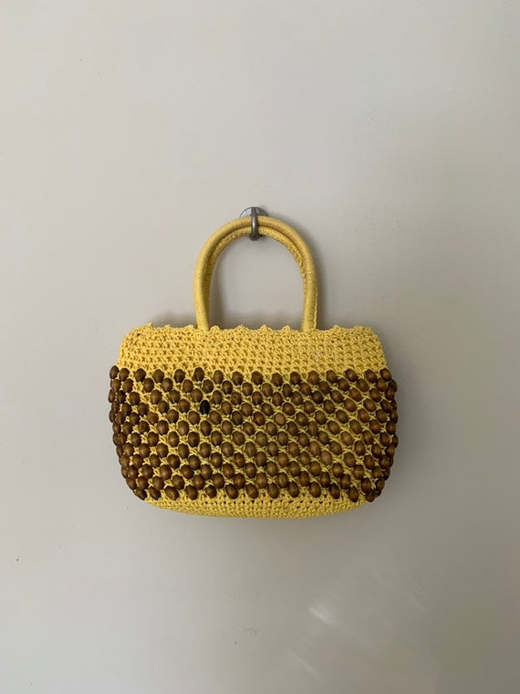 1960s Yellow Raffia Bag with Natural Color Beads