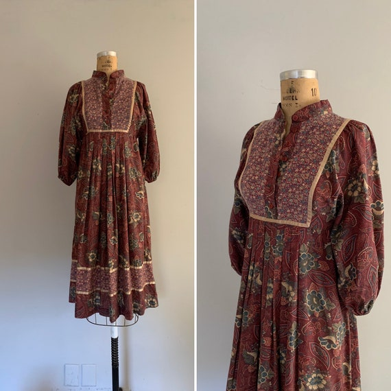 1970s Young Edwardian Prairie Dress / 70s Floral C