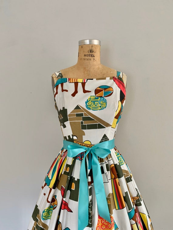 Clearance 1960s Novelty Print Cotton Sundress / V… - image 4