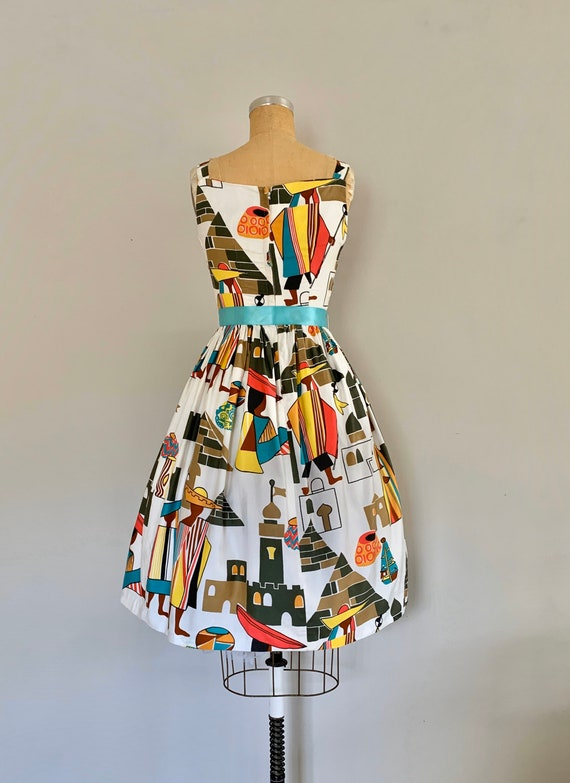 Clearance 1960s Novelty Print Cotton Sundress / V… - image 9