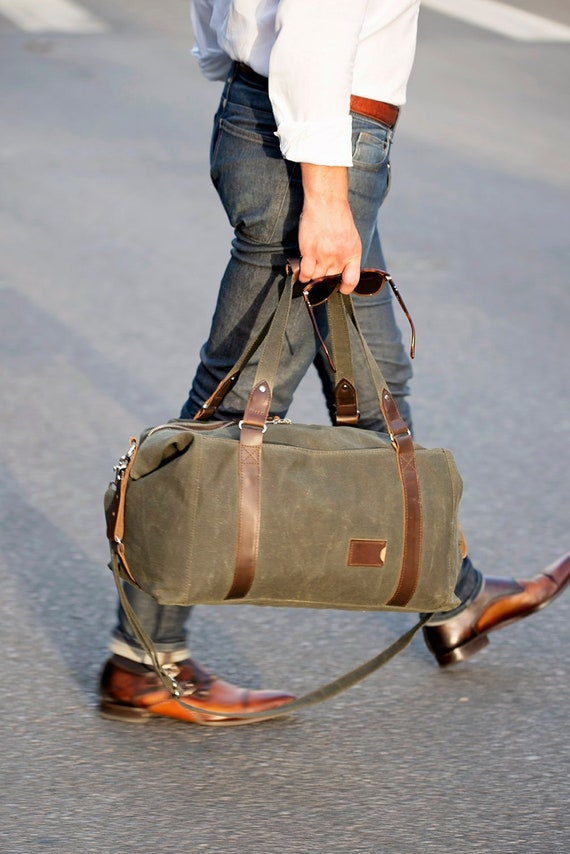 NO. 495 Men s Duffle Bag in Military Green Waxed Canvas   Etsy 1662cab1ee