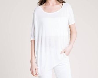 Oversize T-Shirt / Summer Blouse / Designer Blouse / Loose Top / Asymmetric Sleeves / Women's T-Shirt / Marcellamoda - MB0810