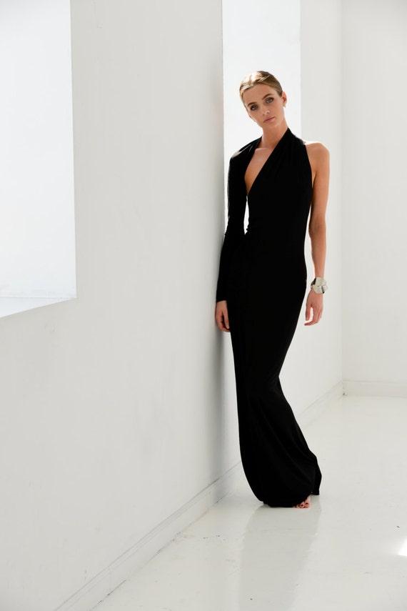 Black One Shoulder Dresses