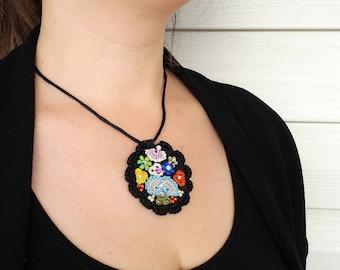 Free Shipping Crochet Circle Necklace, Modern Felt Necklace, Unique Design Necklace, Free Form Necklace,  Under 25, Black