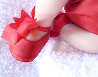 Baby Girl Shoes . Red SILK Ballet Slippers . Red Baby Shoes . Baby Ballerina . Booties . Infant Flats