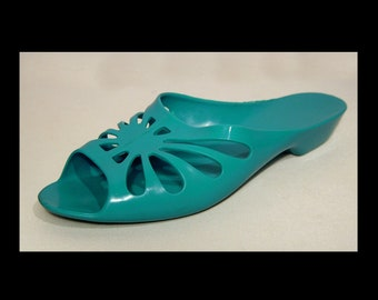 64da0a8efb1c 7.5 ~ Australia 6 ~ Turquoise aqua green blue peeptoe wedge jelly shoes ~  pvc sandals ~ Bata low heel plastic vinyl beach slides ~ cut outs