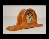 Dated 1930 New Haven marbled butterscotch bakelite clock desk mantle boudoir timepiece runs works enamelled mantel w blue rhinestones