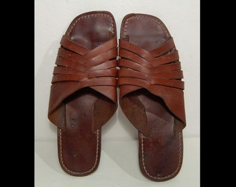 f66f38e7d5d10 Men 8.5 ~ 1950s 1960s chocolate brown braided leather sandals ~ flip flops  ~ women 10 ~ Calvin Super Classic Shoes ~ slippers ~ 8