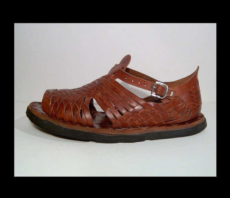 c4e1d0a7ef62c Men Size 9.5 vintage Mexican hand made brown woven   studded