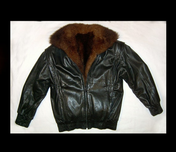 Small ~ jet black leather bomber jacket ~ w zip ou