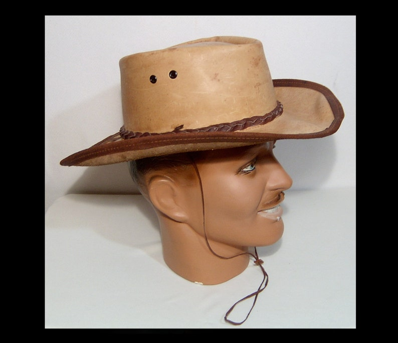 Australian jackaroo tan leather hat ~ dark brown braided trim ~ Medium  Large ~ wide brim ~ bush cowboy cowgirl jillaroo chore work