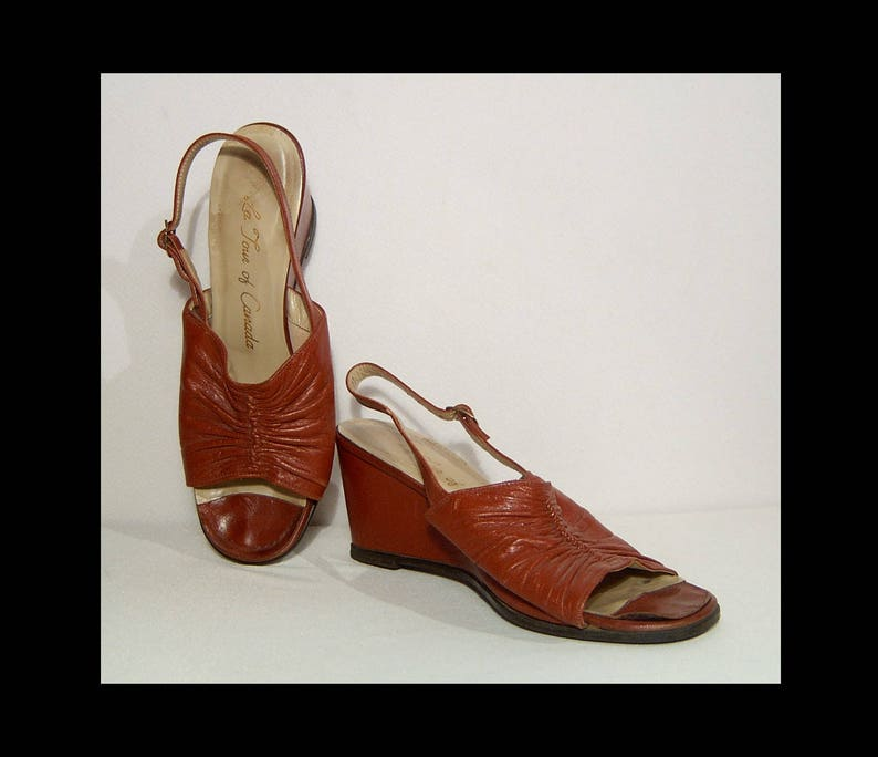 4d4bdb8de08c3 7.5 ~ 1970s ruched cognac brown leather slingback sandals ~ wedge heels ~  Made in Canada for La Tour