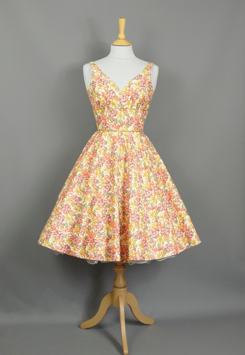 1112177c68edb Summer Posie Vintage Cotton Sweetheart Dress - Full Circle Skirt- Made by  Dig For Victory